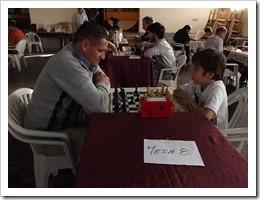 o xadrez é o único esporte onde as categorias se mesclam. Crianças e adultos competem entre si sem problemas.